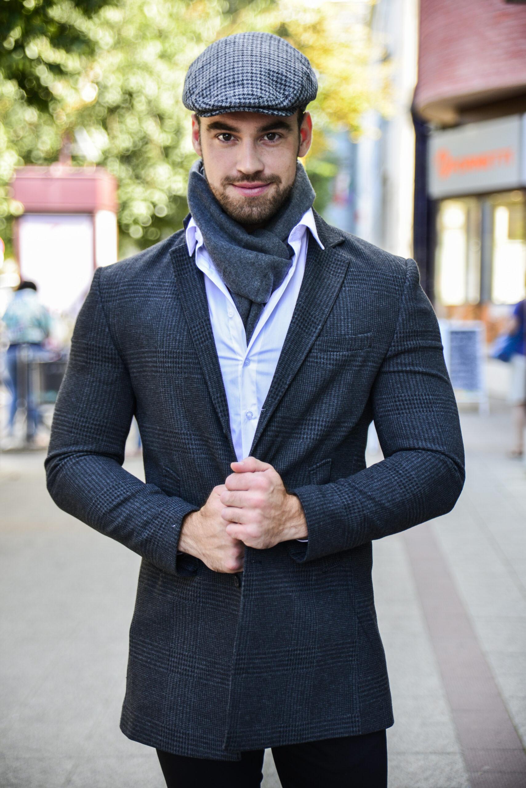 Szürke kockás kabát